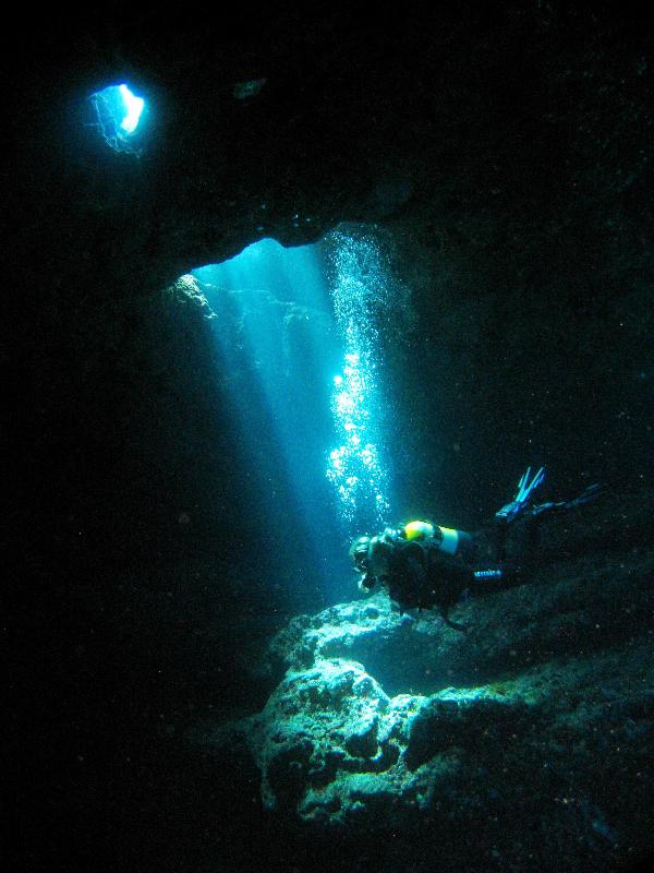 comino-caves-b-2