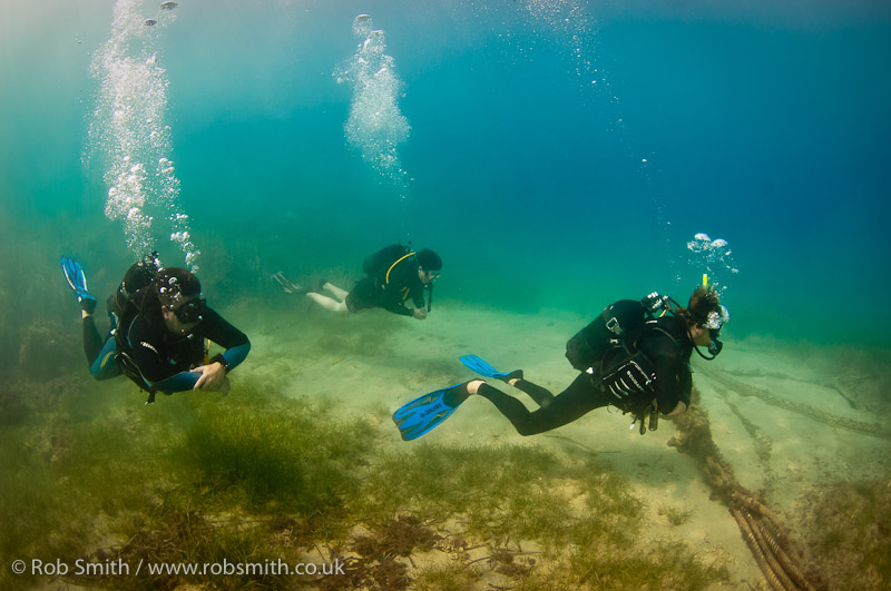 instructor with divers xlendi gozo