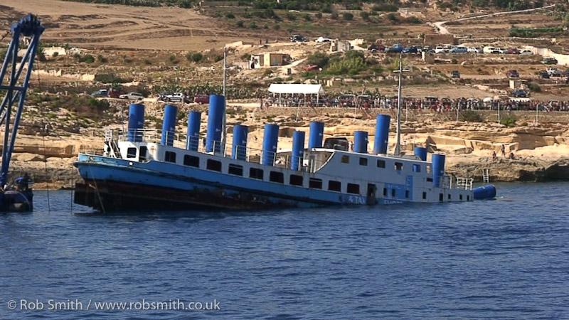 sinking mv karwela 03